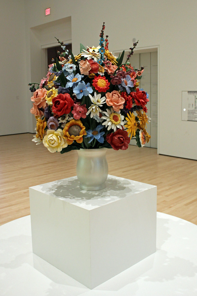 Large Vase Of Flowers By Jeff Koons This Is From 1991 An Flickr