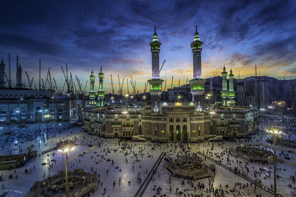 Ворота Великой мечети Аль-Харам закрыты для расширения