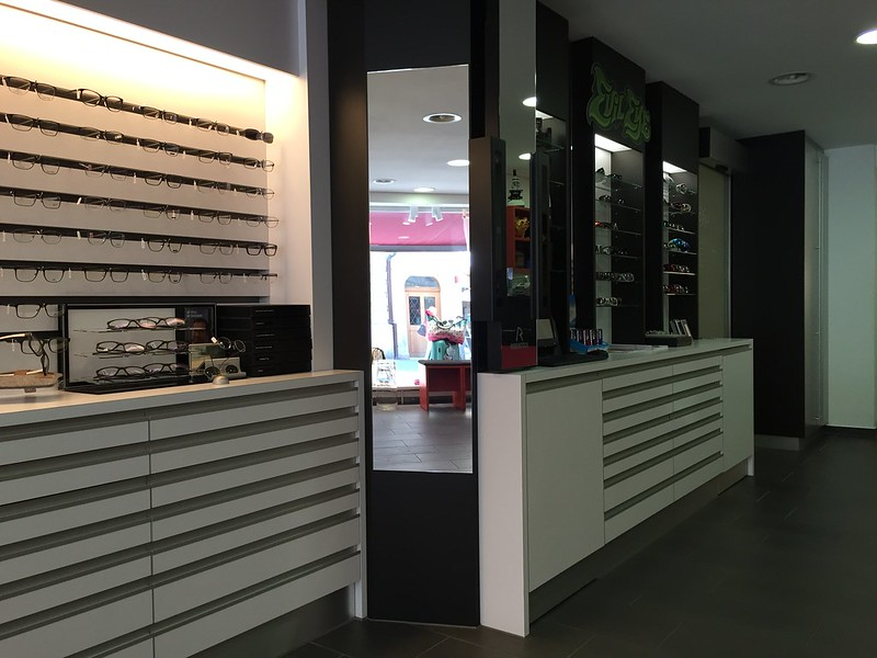 M - Optician