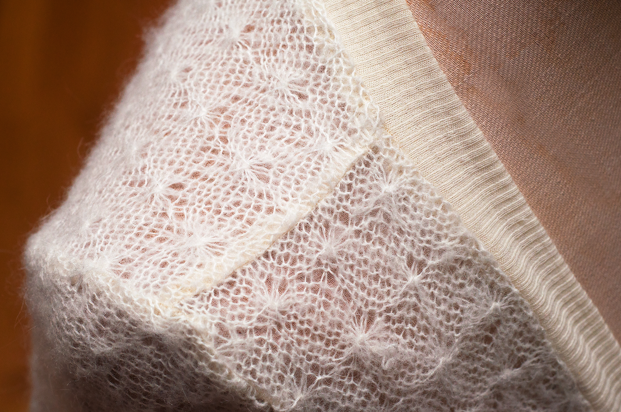 Using clear elastic to stabilize shoulder seams on knits