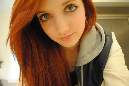 Beautiful Redhead Girl With Sexy Green Eyes  Beautiful -8916