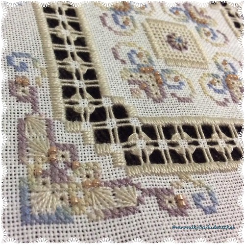 A Little Victoriana by LoopyLou Designs Detail