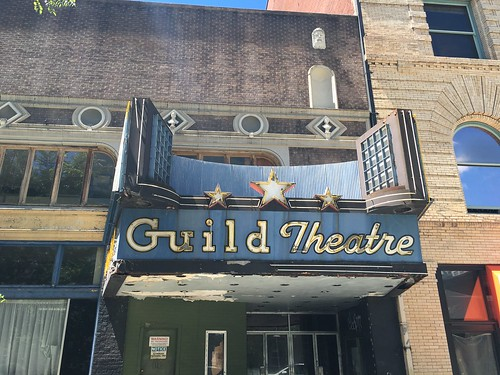 Abandoned Guild Theatre, Portland, Oregon | by pacificpelican