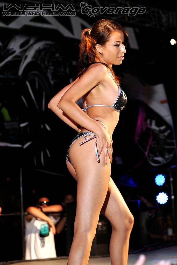 Autofest bikini contest