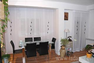Panel japon s y cortina para sal n moderno visita for Panel japones blanco y gris