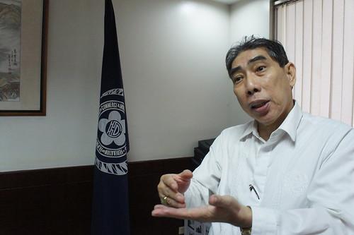 菲律賓華商總會名譽理事長莊前進認為,港、台事件不同,反問港人為何仍放不下。(勞顯亮攝)