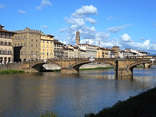 Santa Trinita Bridge in Florence - Architect Bartolomeo Ammannati (Settignano 1511-Florence 1592) - Destroyed by Germans on 1944 and rebuilded on 1952 exactly as it is | by Carlo Raso