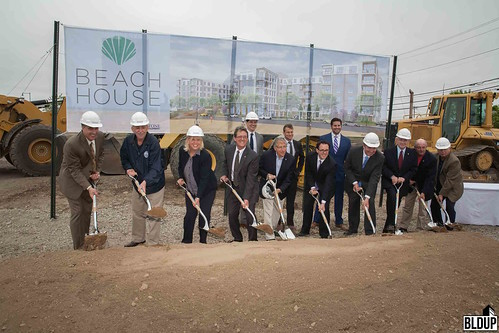 Beach-house-groundbreaking-no-mark-4736