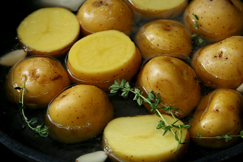 braised potatoes 1 | by crumblycookie