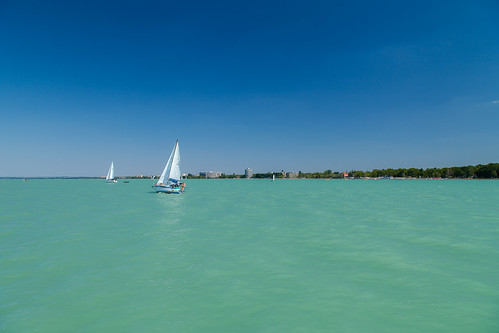 https://www.twin-loc.fr Lac lake Balaton Hongrie Hungary Siofolk photo picture image | by www.twin-loc.fr