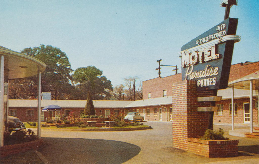 Motel Paradise - Bimingham, Alabama
