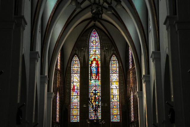 Interior of St. Joseph's Cathedral, Hanoi, Vietnam ハノイ大教会内装とステンドグラス