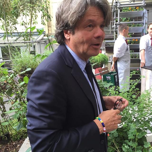 Michael Käfer begrüßt die Münchner Foodblogger - #meinkäfermoment #einfachmuenchen #simplymunich #Munich #Muenchen #streetsofmunich @mucbook #munichlifestyle #muc #mucstagram #exklusivmuenchen #minga #ilovemunich #igersmunich #bavaria #pictureoftheday #p