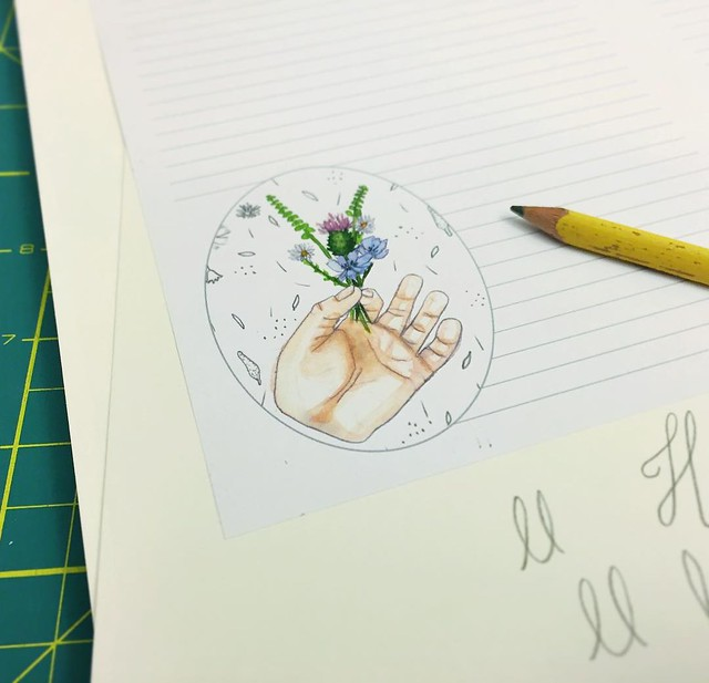 34/100 #robayre100days playing around with a tiny bouquet pattern stationery idea #The100DayProject