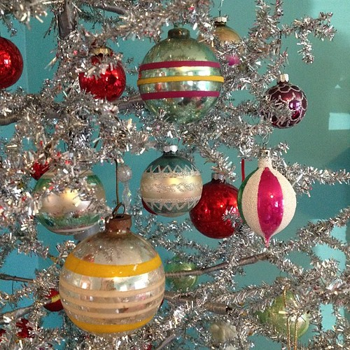 Vintage baubles kelly mccants flickr for What to do with old christmas ornaments