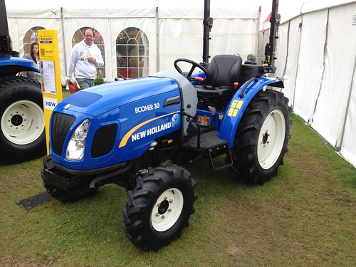 New Holland Boomer 30 Compact Tractor - 2013 | by jambox998