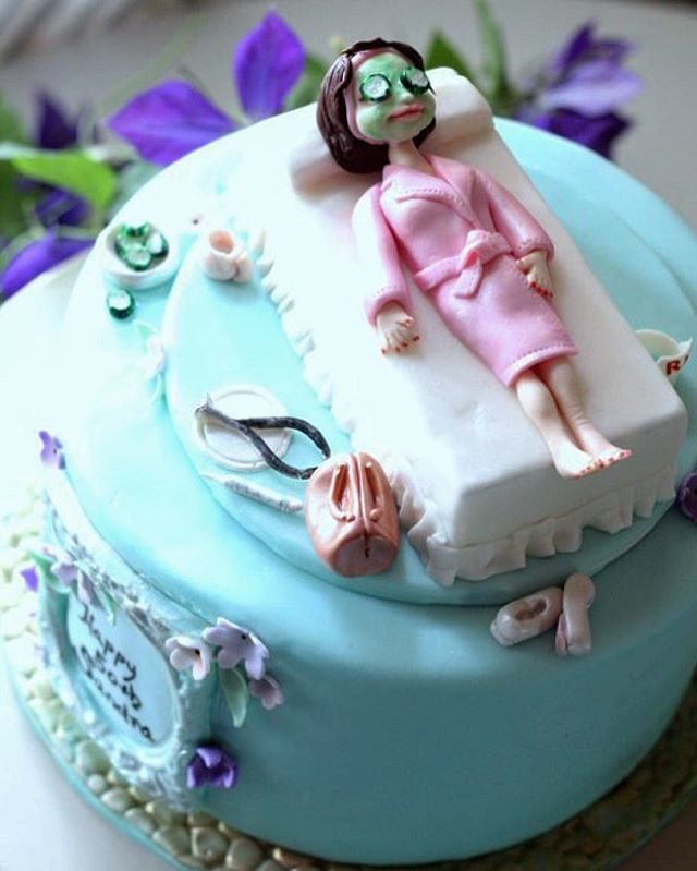 The full photo of this Happy birthday cake for a nurse aes Flickr