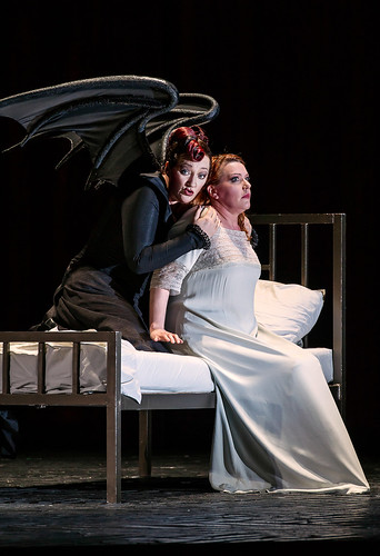 Michaela Schuster as Nurse and Emily Magee as the Empress  in Die Frau ohne Schatten © ROH / Clive Barda 2014 | by Royal Opera House Covent Garden