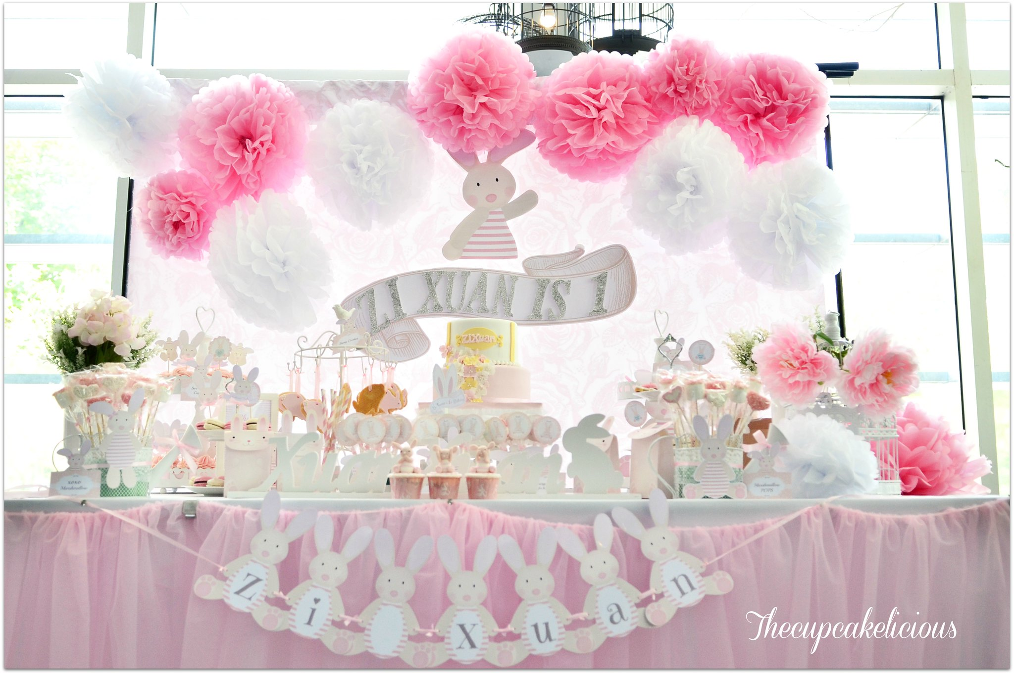 Cupcake Decorating Ideas For Girl Baby Shower