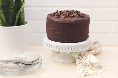 Grain-free Chocolate Cake with Dark Chocolate Ganache Frosting | by Tasty Yummies
