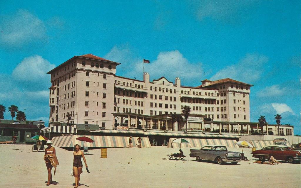 Daytona Plaza Hotel - Daytona Beach, Florida