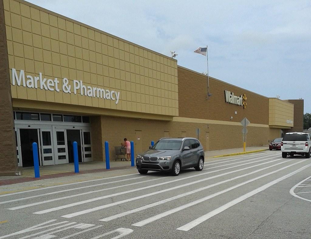 Smiley\'s Back! | Walmart Supercenter #974 845 Palm Bay Road … | Flickr