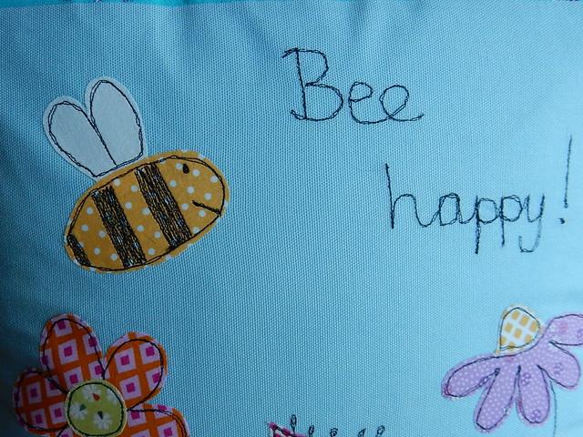 Bee cushion (10)
