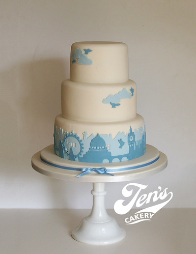 london wedding cake s wedding cake a skyline cake for a 16928