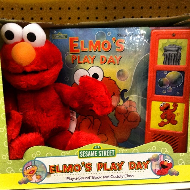 Elmo S Play Day Electronic Talking Book And Cuddle Plush Flickr
