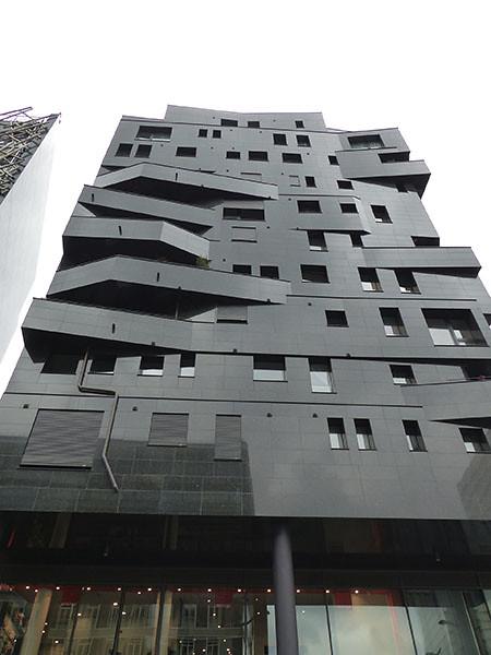 l'immeuble noir T8