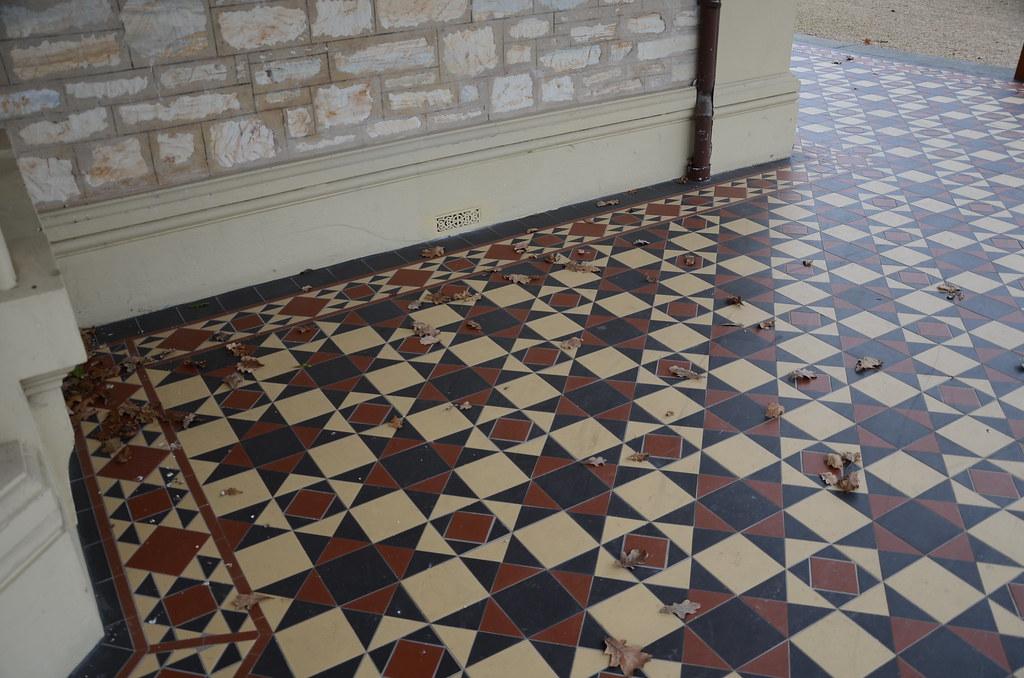 Dsc5307 Tessellated Verandah Tiles Auchendarroch Adelai Flickr