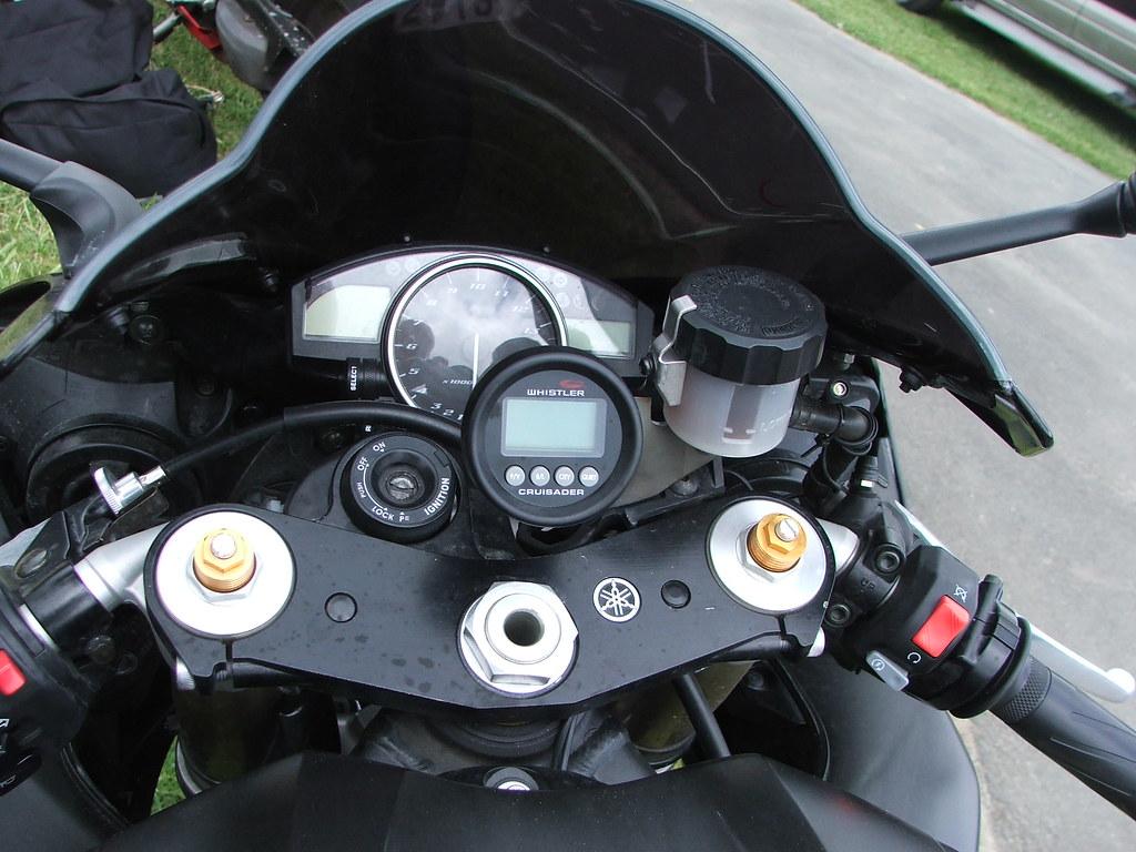 20a Yamaha R1 Cockpit
