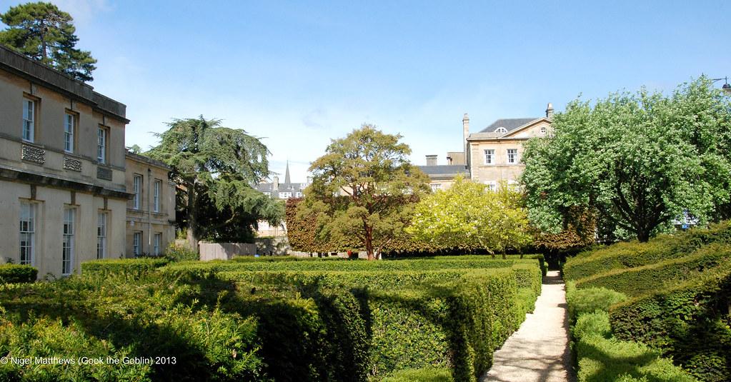 Oxford Botanic Gardens, Rose Garden | The University of Oxfo… | Flickr