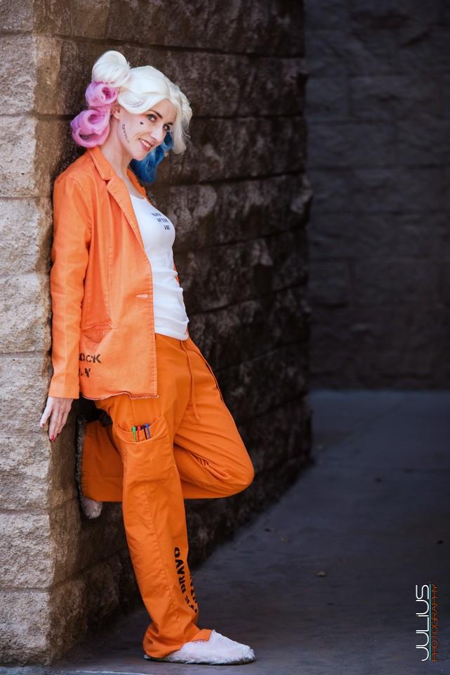 woman-putting-on-prison-uniform-hayden-kho-katrina-halili-sex-video-scandal