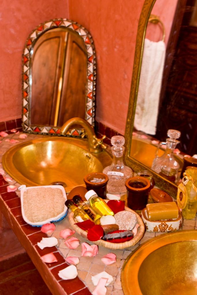 Salle de bain traditionnelle | Ecolodge Maroc | Flickr