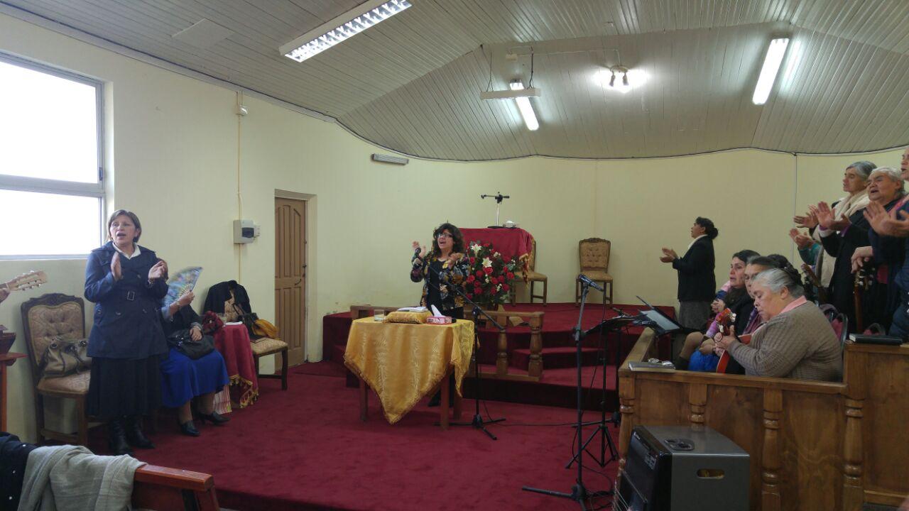 Mujeres de oración en IMPCH Guarilihue