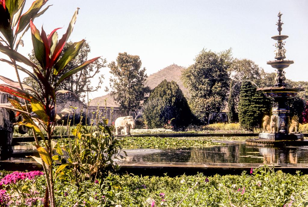 ... Saheliyon Ki Badi, Udaipur   By Swiminindia