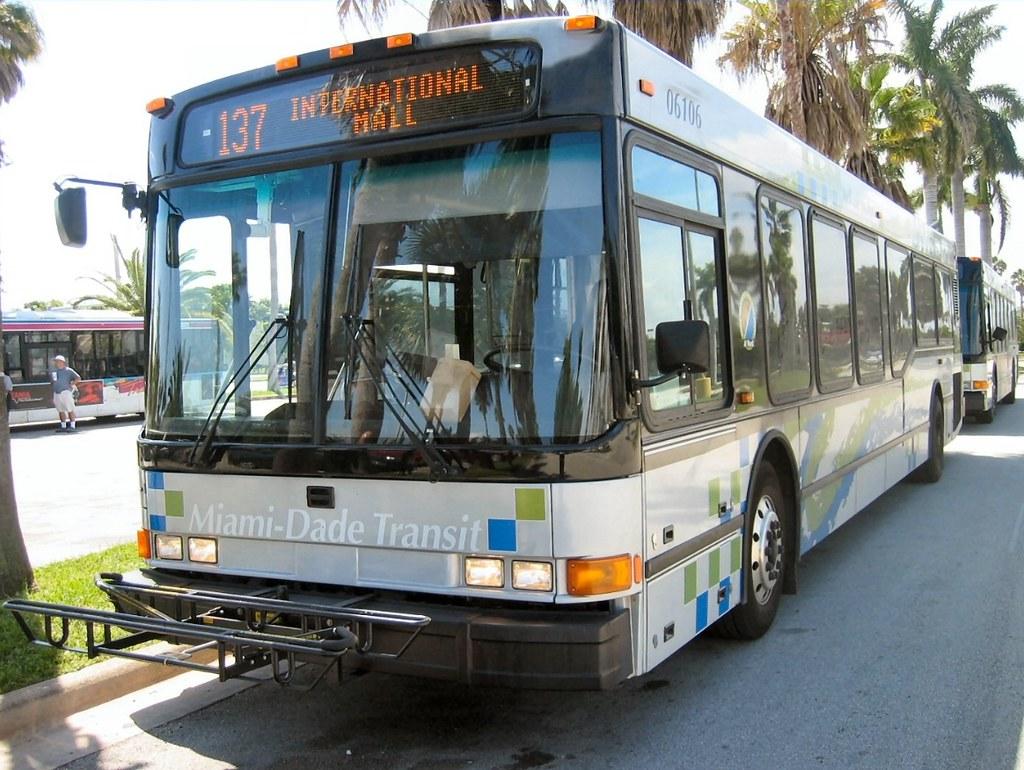 miami dade transit, route 137 no. 06106 | name: miami dade t… | flickr