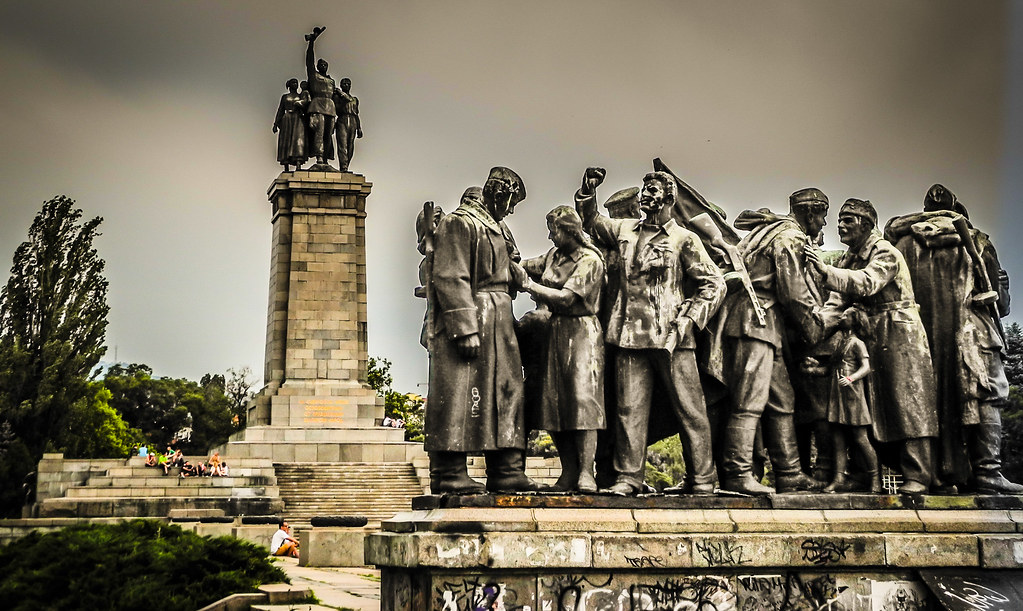 Slikovni rezultat za MONUMENT TO RED ARMY SOFIA