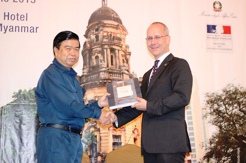 ASEF's Deputy Executive Director, Karsten Warnecke presenting a memento to H'ble Mayor Hla Myint | by Asia-Europe Foundation