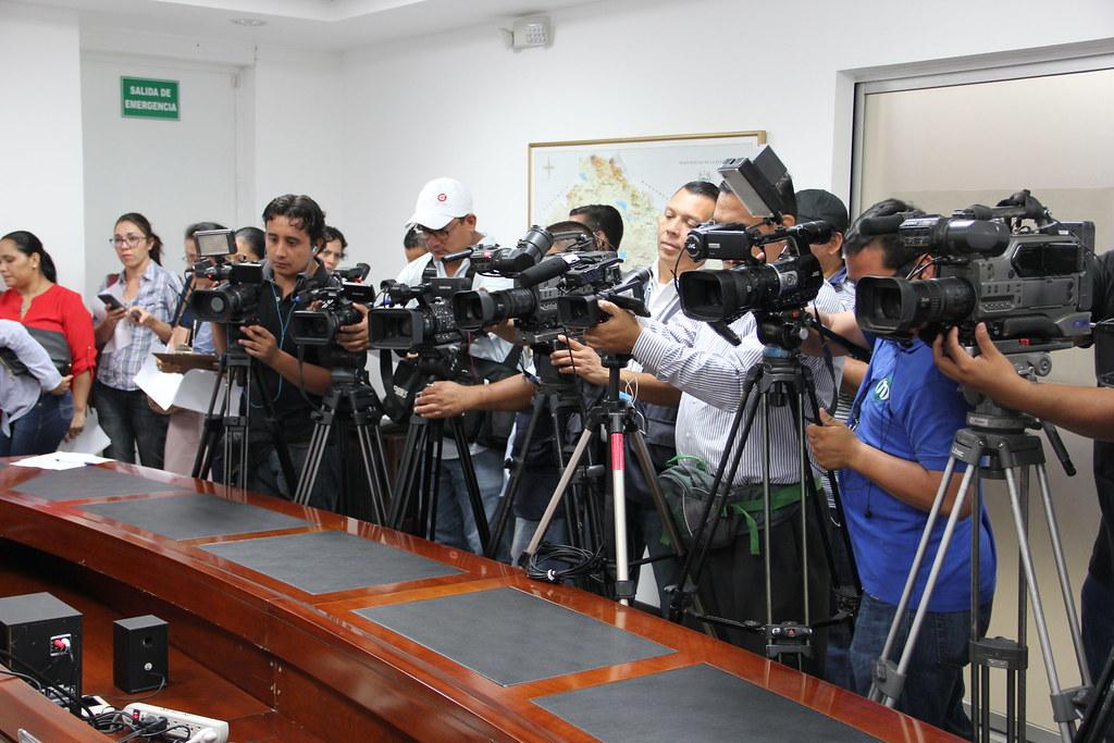 Conferencia de prensa condiciones de oleaje y volcán Chaparrastique (21/06/2016)