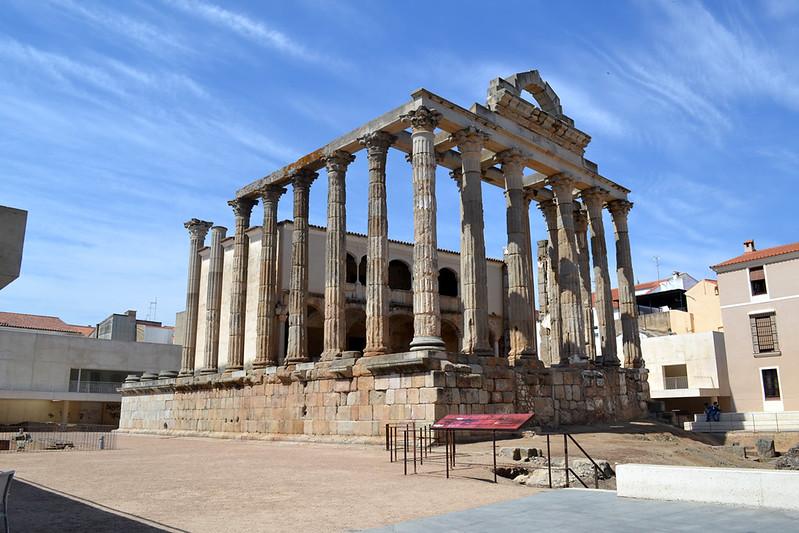 La bella estampa del Templo de Diana