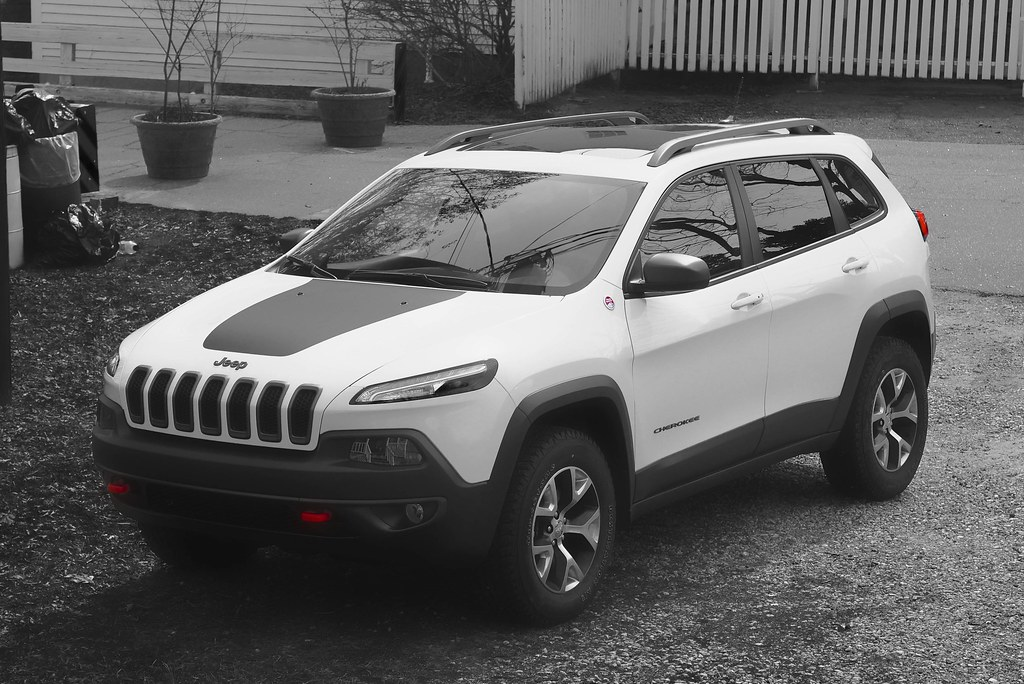 the jeep revealed cars trailhawk about truth cherokee
