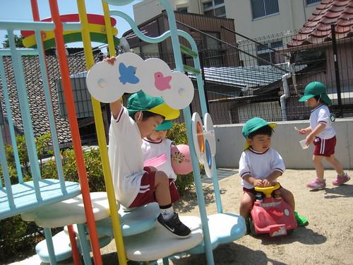 2歳児、戸外遊び