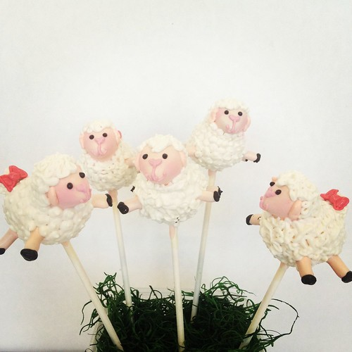 Sheep Cake pops | by Sweet Lauren Cakes