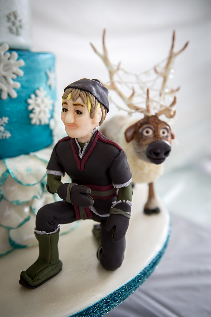 frozen cake kristoff and sven frozen cake made for my ni flickr