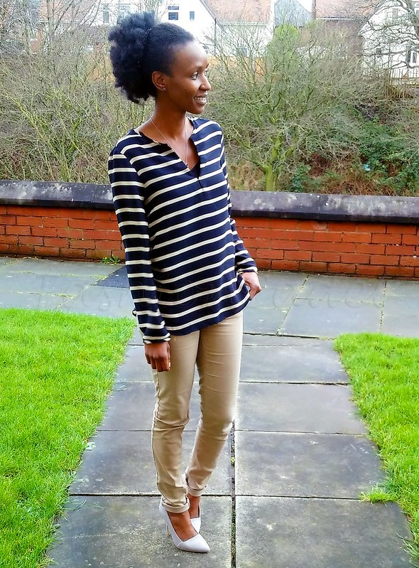 stripes-and-neutrals, khaki pants, khaki trousers, grey heels, grey stiletto heels, how to wear stripes