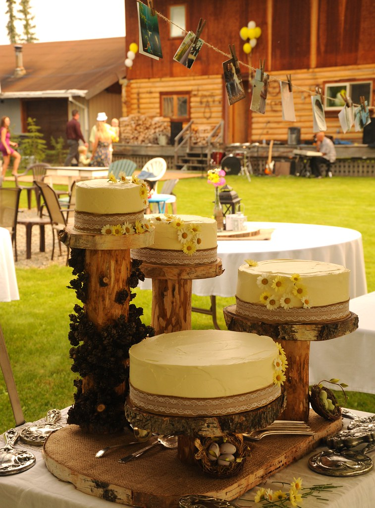 Rustic traditional country style: wedding cakes, yellow ic… | Flickr