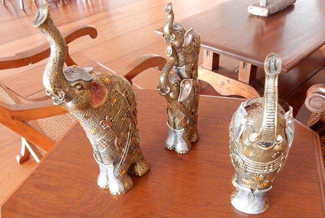 elephant-statues