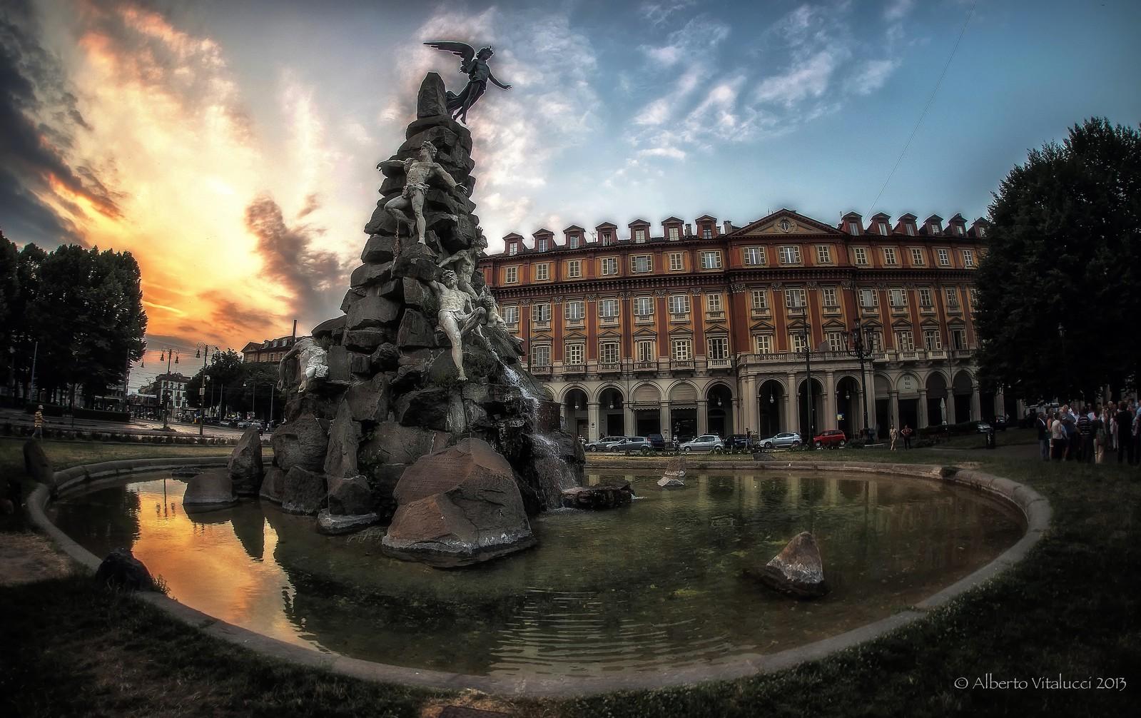 Monumento al traforo del Frejus.